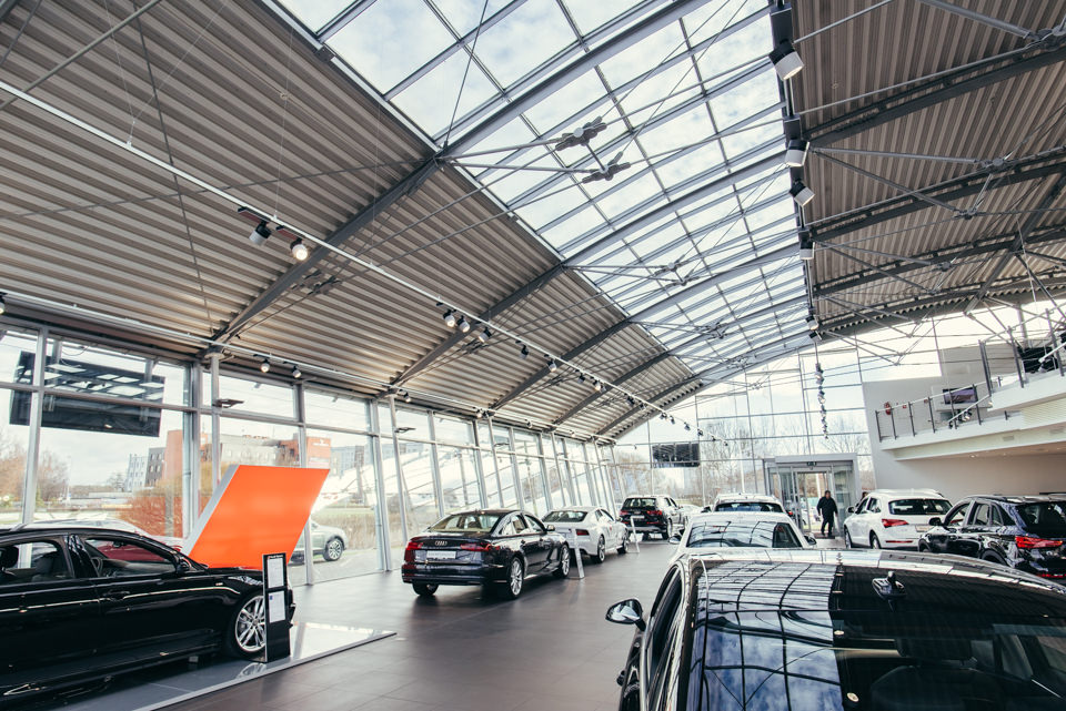 """Philips Led linear spots in Audi center """"Moller Auto"""""""